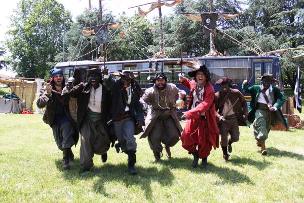 Il FiliBustiere - Ciurma dei pirati all'attacco